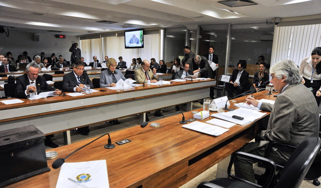 Senado aprova Roberto Fernandes para diretoria da CVM