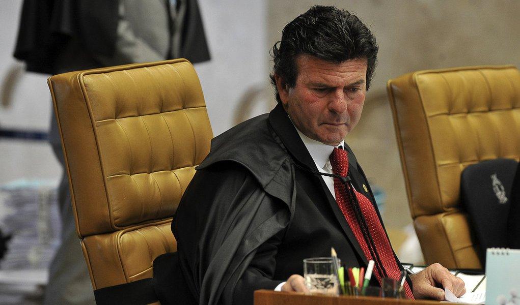 Lei da Ficha Limpa: pedido de vista interrompe julgamento