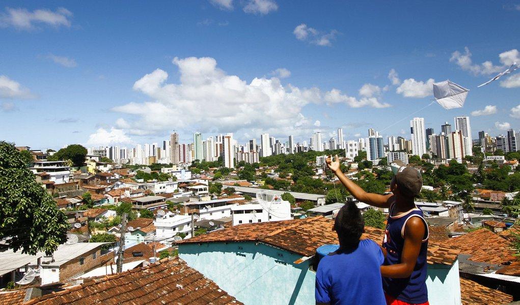 Recife é a terceira capital mais desigual do País
