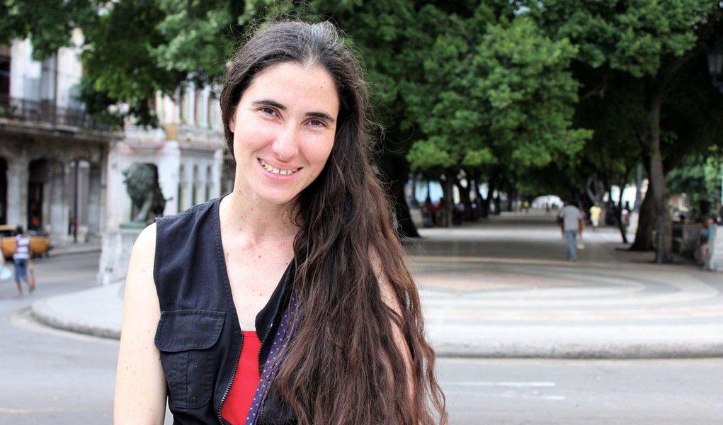 """Blogueira cubana deixa Dilma em """"saia justa"""""""
