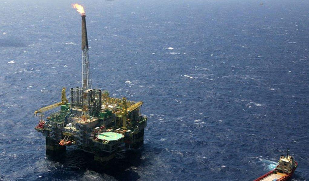 Petrobras descobre mais cinco mil barris/dia de petróleo