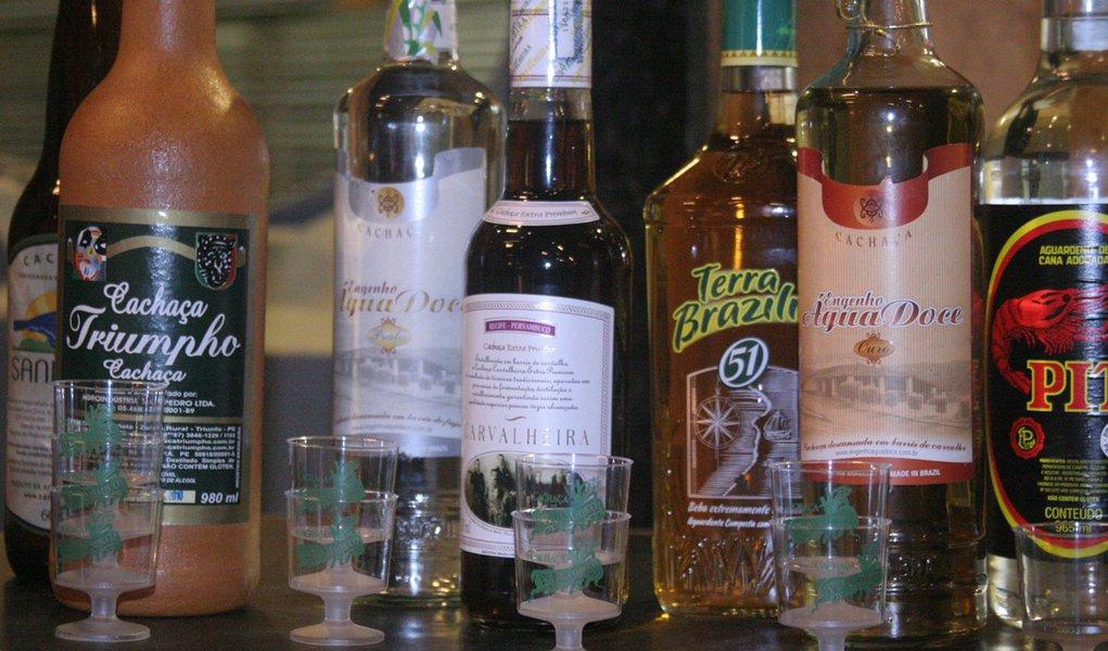 Cachaça é reconhecida como bebida brasileira