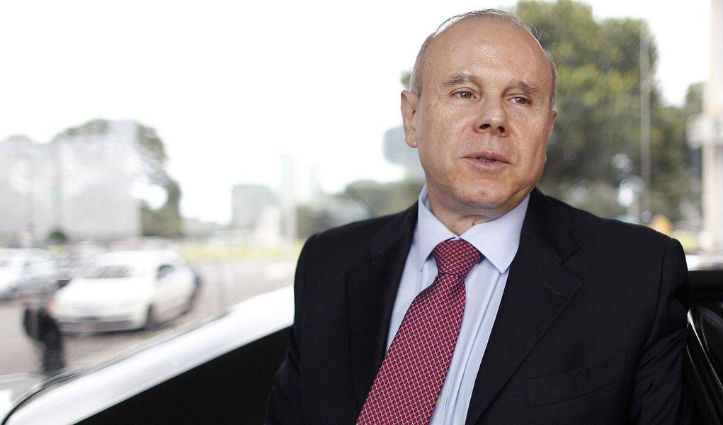 Mantega: crise teve efeitos positivos no Brasil