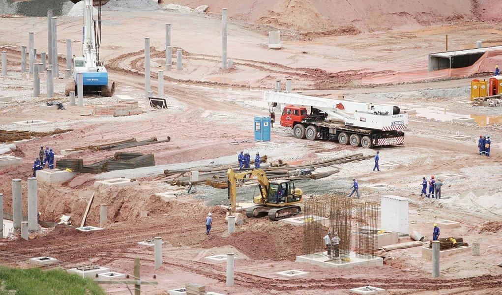 Obras no Itaquerão ganham terceiro turno