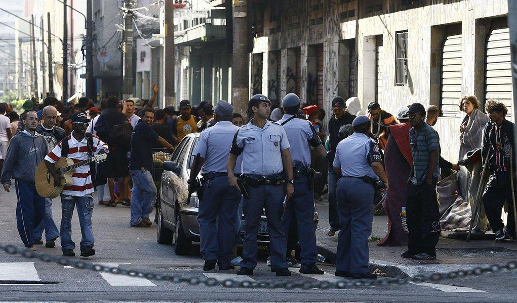 Policiais ocupam cracolândia de São Paulo