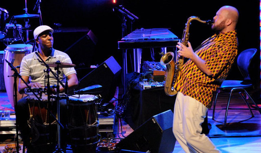 Saxofonista Thiago França lança seu álbum sem fronteiras