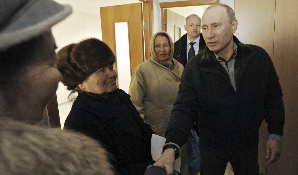 Putin deve vencer eleições na Rússia com 60%, diz pesquisa