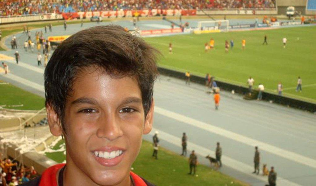 Filho do presidente da Embratur é enterrado em Brasília