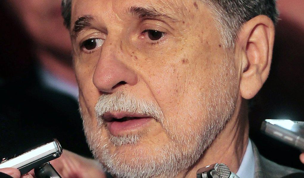 Amorim diz que compra dos caças deve sair neste semestre
