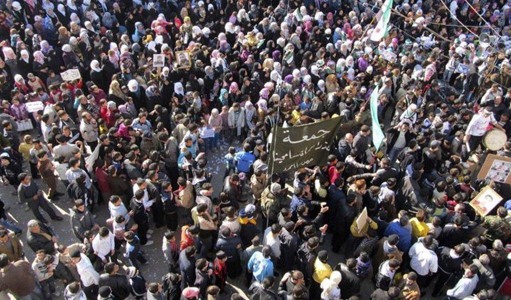 Confrontos deixam pelo menos 20 mortos na Síria; opositores contam 47