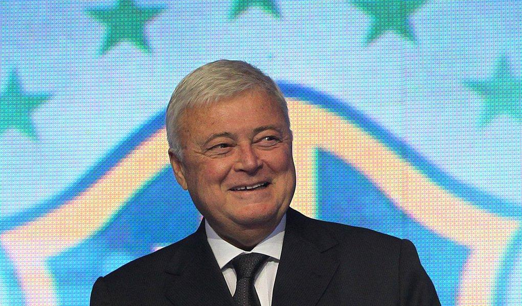 CBF dá razão à Fifa no embate com o governo