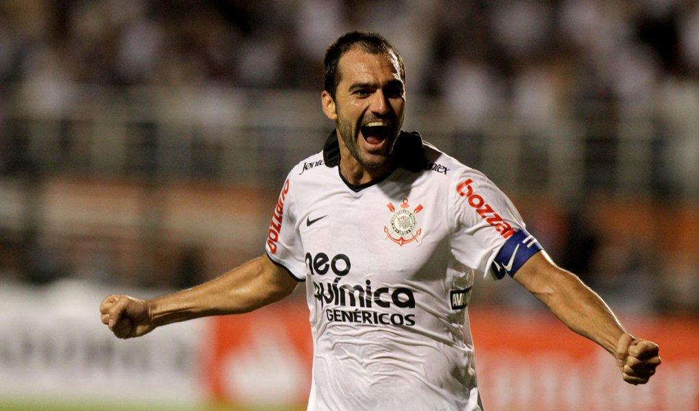 Corinthians conquista primeira vitória na Libertadores