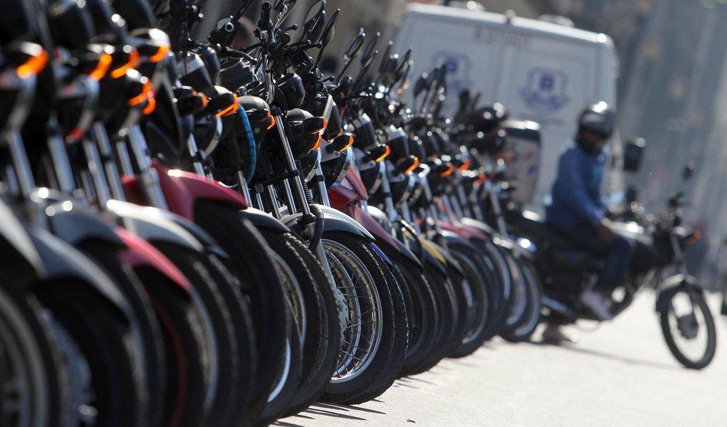 Acidentes com mulheres e motos aumentaram