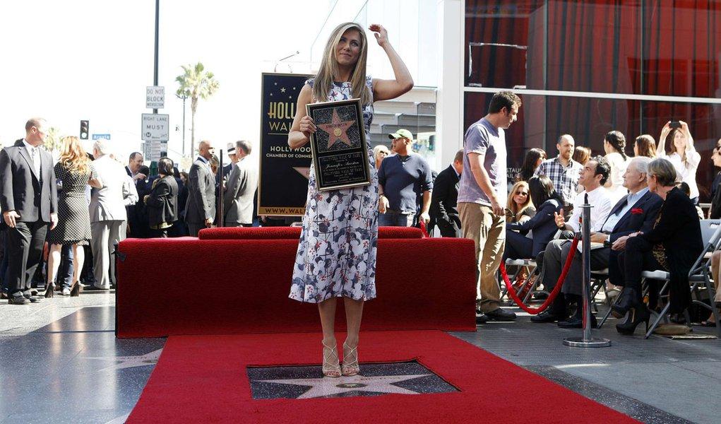 Jennifer Aniston ganha estrela na Calçada da Fama