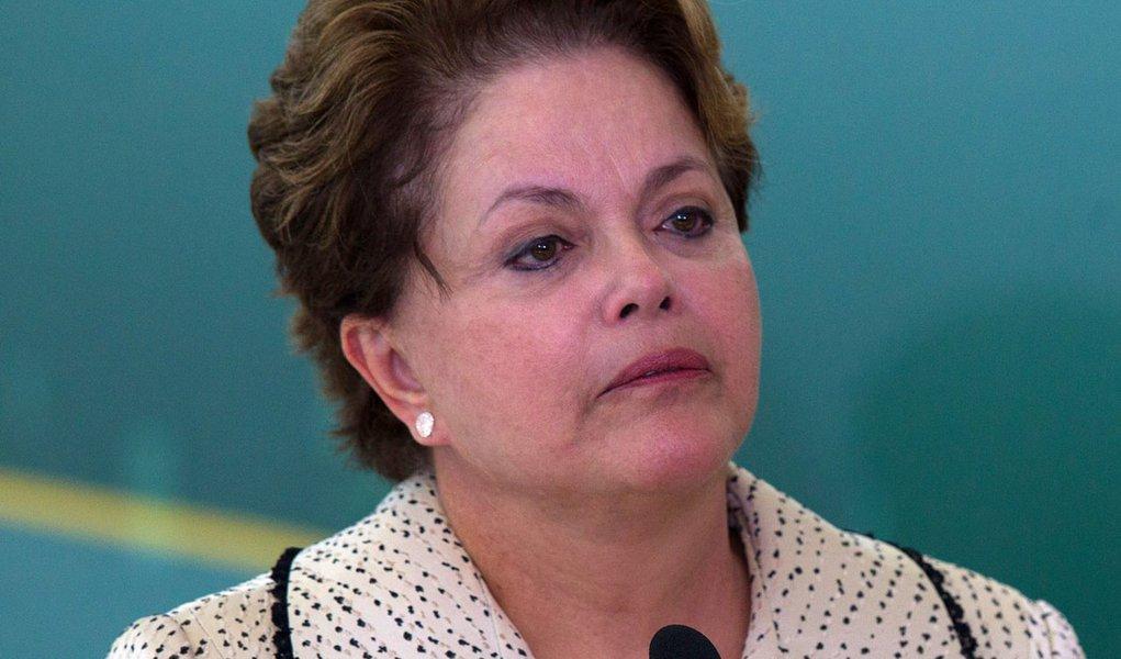 Política de coalizão leva Dilma às lágrimas