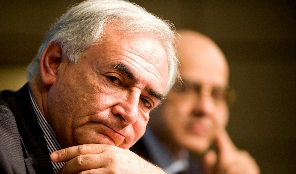 Alunos de Cambridge organizam boicote contra Strauss-Kahn