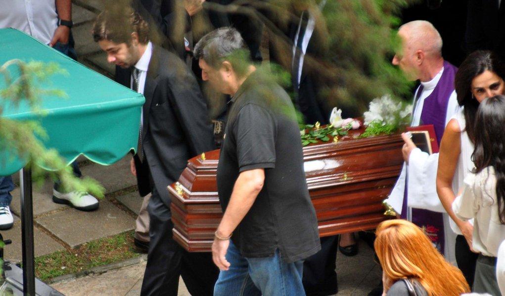 Eliana Tranchesi, da Daslu, é sepultada