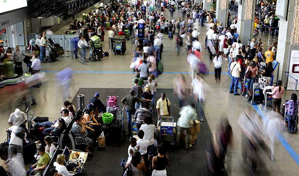 Seis pessoas são presas por furto de malas em Cumbica