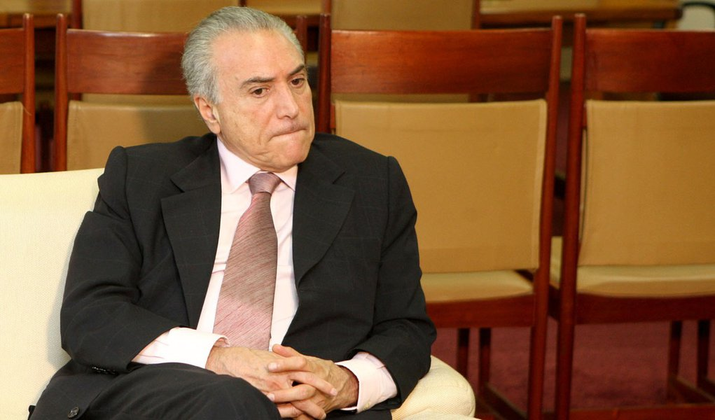 'Cenário não é bom', avisa Temer sobre aliança PT-PMDB