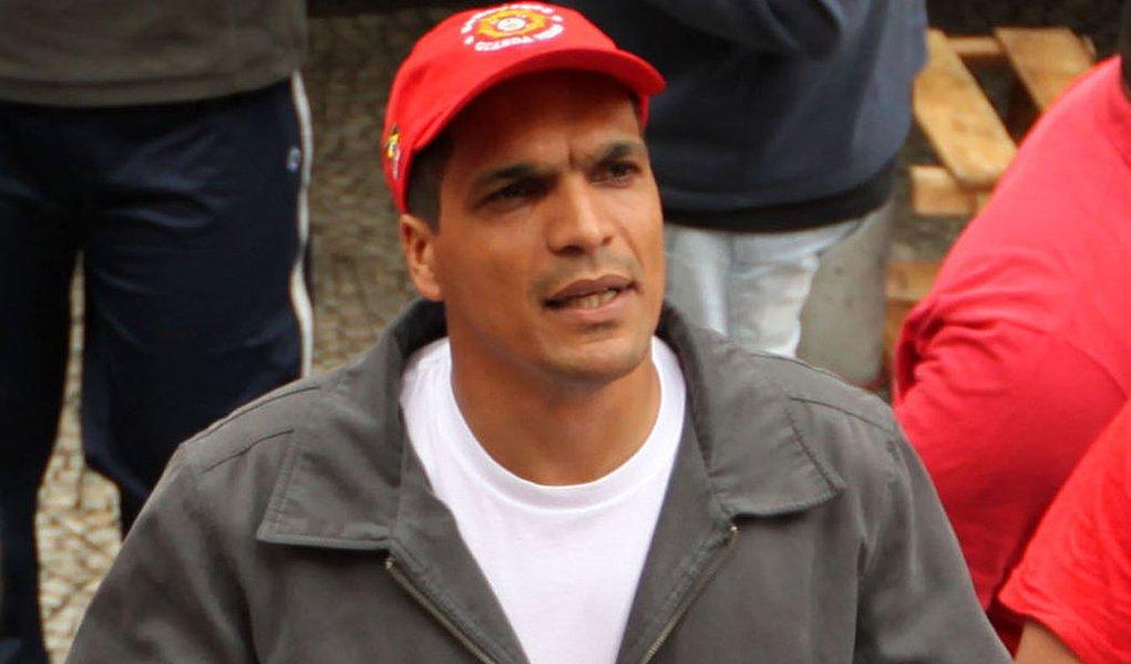 Comando-geral  do Rio expulsa 13 bombeiros grevistas