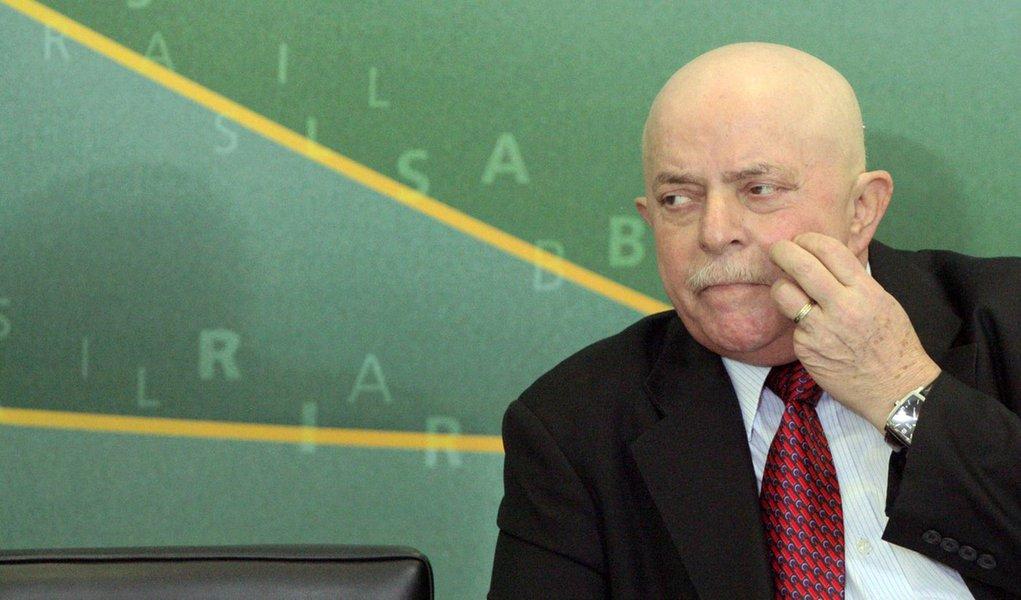Lula quer adiantar aliança com Kassab para março