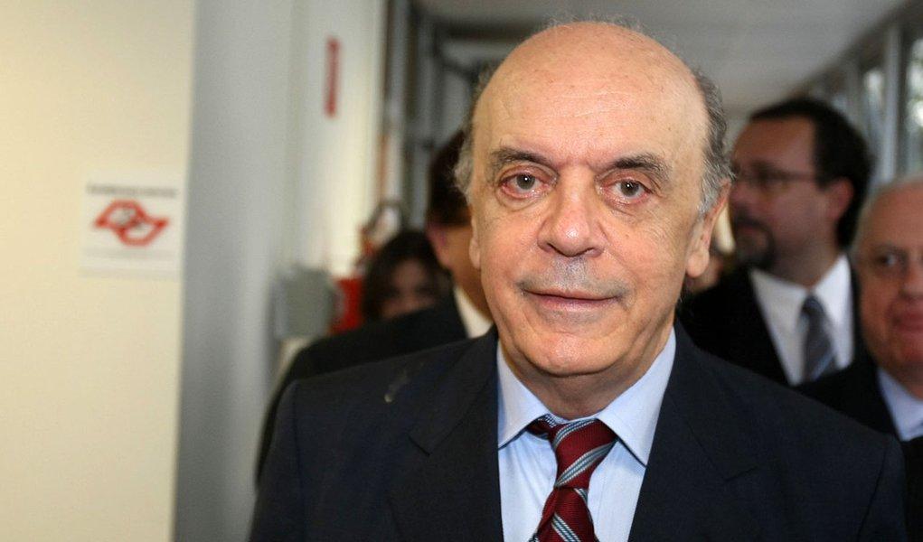 """The Economist chama Serra de """"A grande fera"""""""