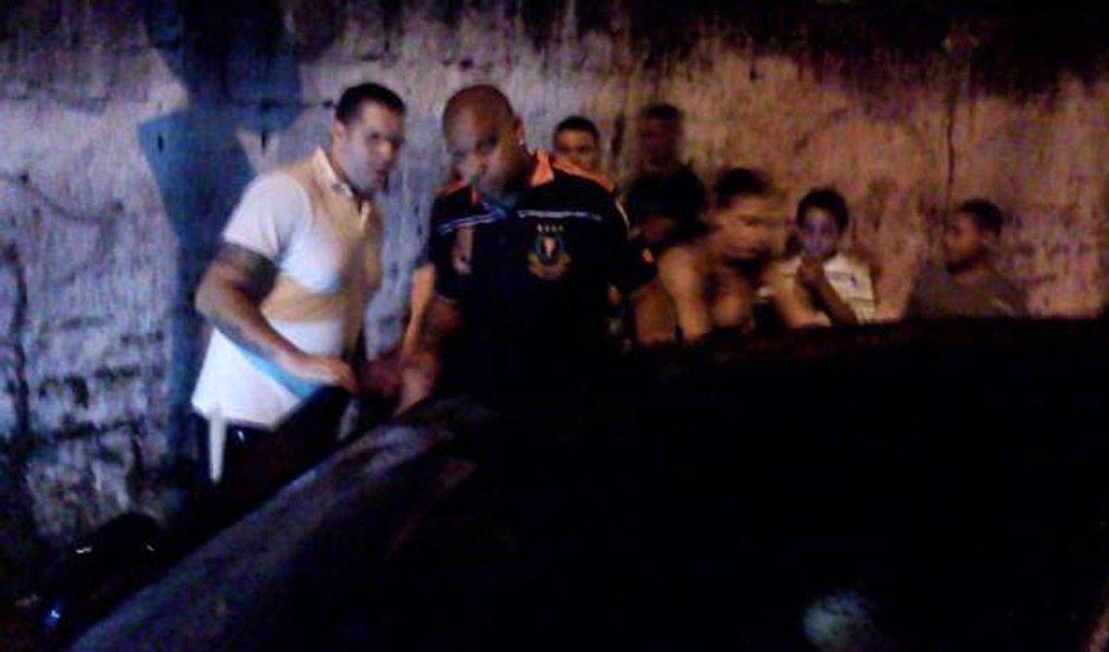 Adriano foge do CT e é visto em bar no Capão Redondo