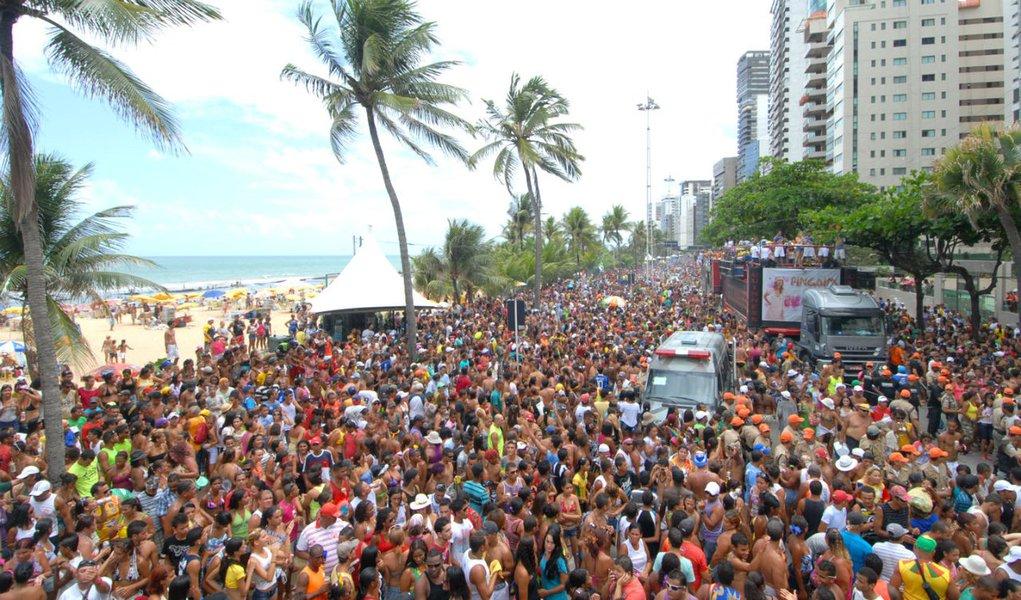 Um Camburão que arrasta 200 mil no Recife
