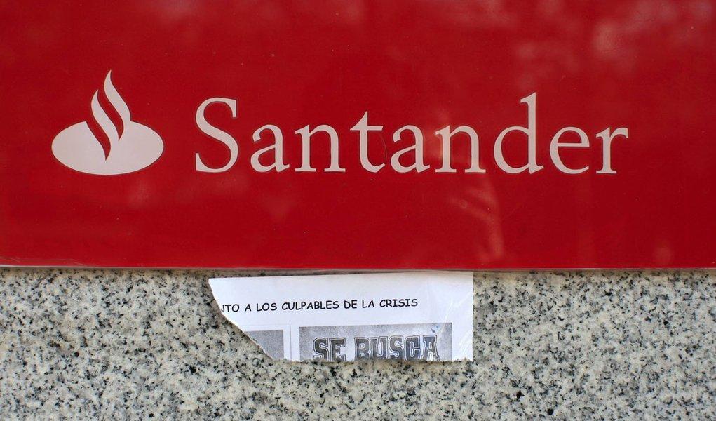 Fitch rebaixa Santander e outros 4 bancos espanhois