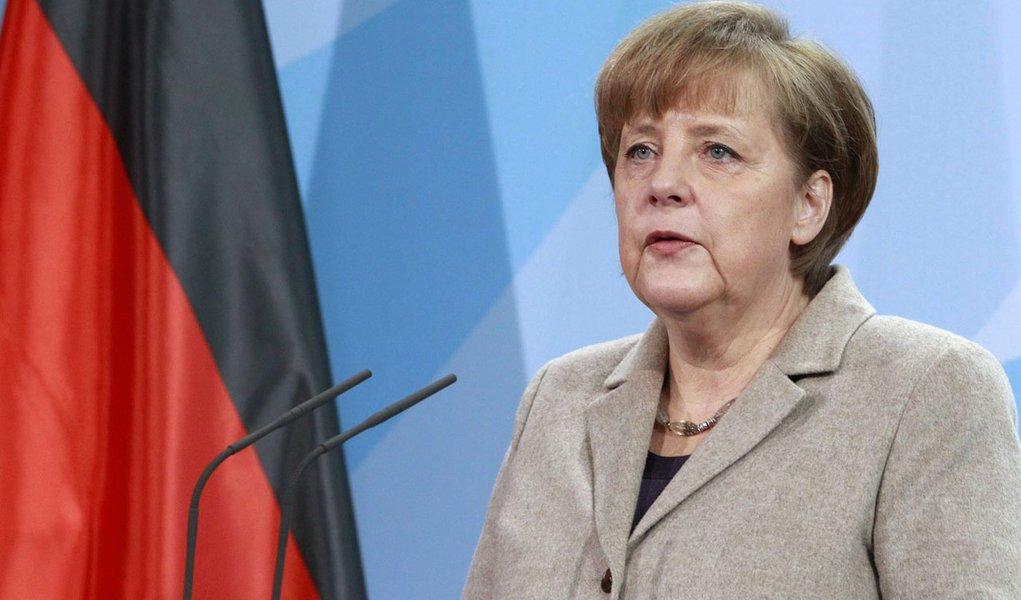 Merkel pede urgência na escolha de presidente