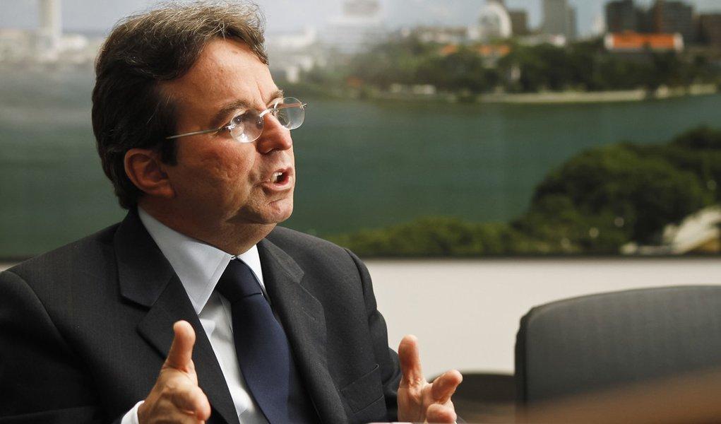 Costa tenta afastar o tom político da visita de Dilma