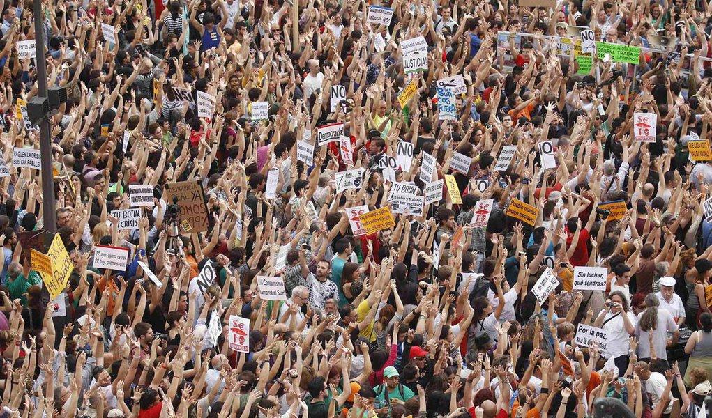 Na Espanha, movimento dos indignados completa um ano