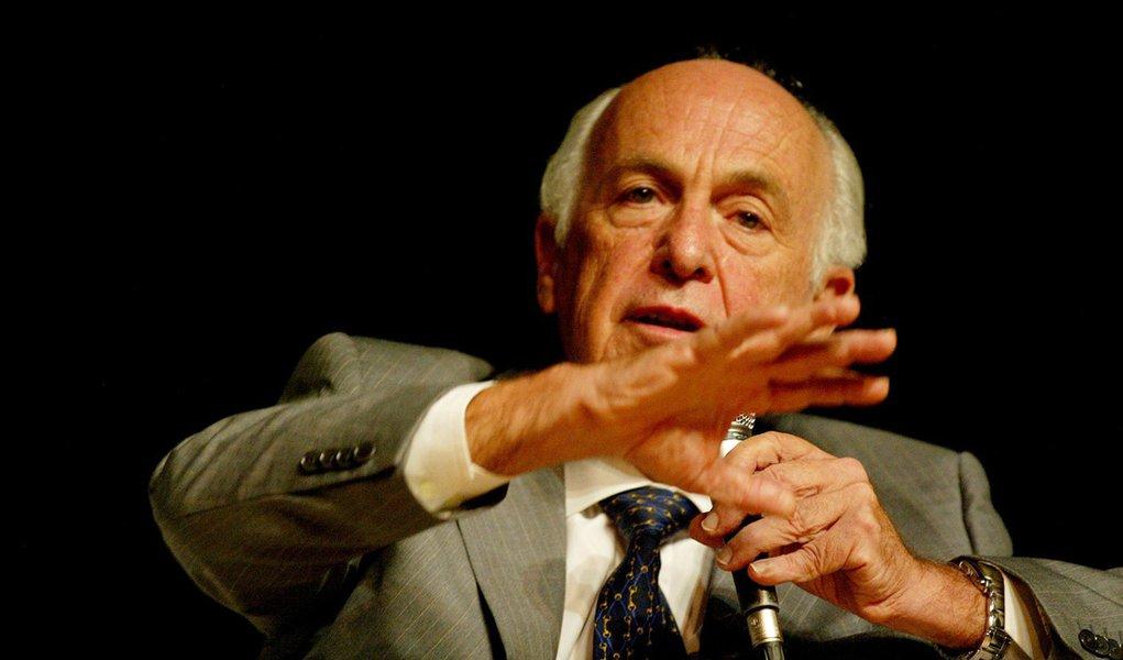 Ex-Tucano Bresser Pereira diz que a Argentina tem razão