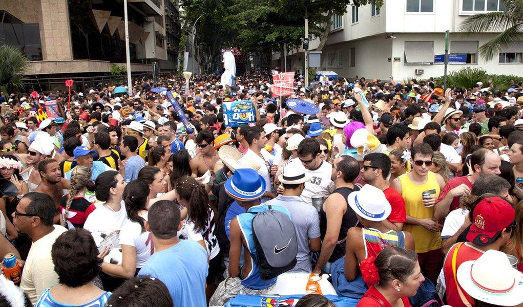 Cem blocos na rua carnavalizam o Rio de Janeiro