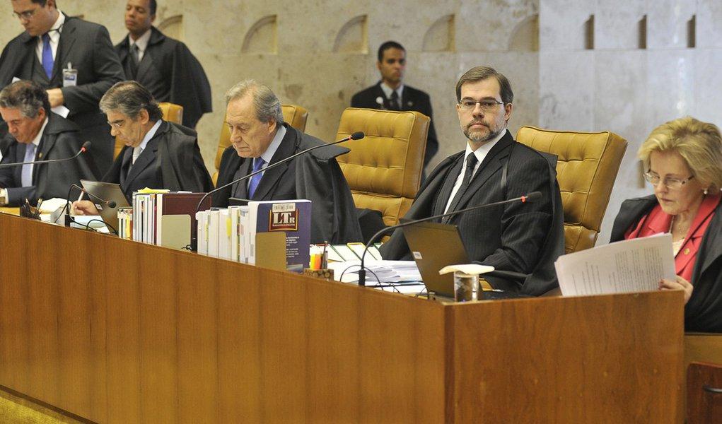 Dias Toffoli abre placar contra Ficha  Limpa no STF