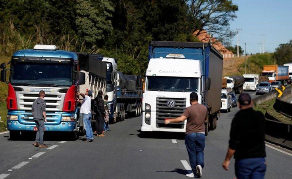 Greve nacional de caminhoneiros 21/05/2018 REUTERS/Rodolfo Buhrer