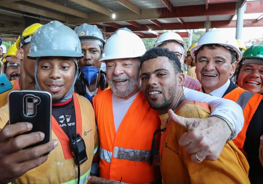 17/08/2017- Bahia- A VIAGEM DO EX-PRESIDENTE PELO NORDESTE- Lula chega a Bahia- Extensão da linha 2 do metro de Salvador Foto: Ricardo Stuckert