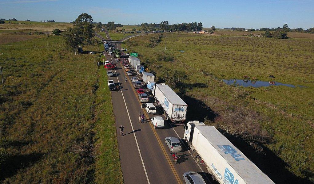 Santana do Livramento 23/05/2018 Greve dos Caminhoneiros na fronteira com Brasil/Uruguai. Foto Marcelo Pinto/APlateia
