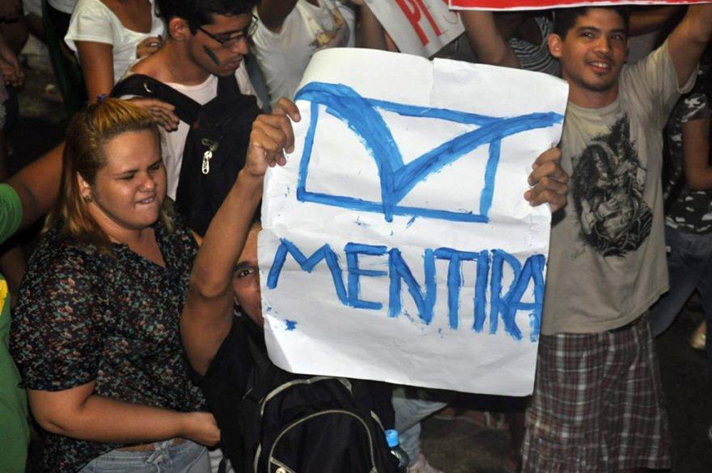 A TV Mirante, afiliada da Globo e pertencente à família Sarney, foi impedida de fazer uma reportagem sobre a paralisação dos caminhoneiros no Maranhão; protesto ocorria na BR 135, em São Luís; veja vídeo