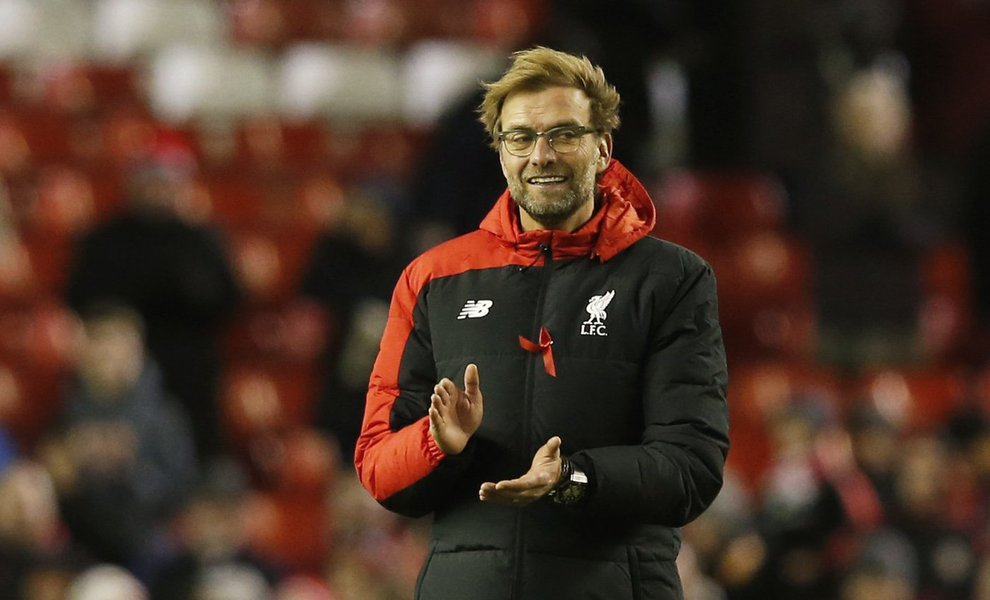 """O técnico alemão Jürgen Klopp, que conduziu o Liverpool à final da Champions League contra o Real Madrid foge ao estereótipo do treinador convencional não só por sua filosofia de jogo, mas também pelas convicções além do campo; """"Nunca pagarei um plano privado de saúde. Nunca votarei em um partido porque promete baixar os impostos. Se há algo que jamais farei em toda minha vida é votar na direita"""""""