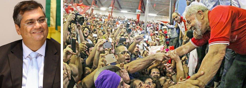 """O governador do Maranhão, Flávio Dino (PCdoB-MA), avalia que a pesquisa Dafafolha não deixa dúvidas quanto à liderança de Lula, com 30% e vencendo todos os adversários, no processo eleitoral deste ano; """"A pesquisa mostra que o bloco nacional e popular, liderado por Lula, tem tudo para levar um candidato ao 2º turno e vencer. Ou ele próprio, ou quem ele indicar. Fundamental é a união, como a Frente Ampla do Uruguai ensina"""", salienta o governador"""