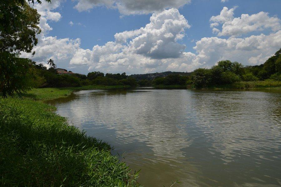 """O nível de água do sistema Cantareira, principal manancial da região metropolitana de São Paulo, está em 48,1%, sem considerar a reserva do chamado """"volume morto""""; esse valor é mais baixo que o registrado antes da crise de 2014 e 2015 e chama a atenção de especialistas"""