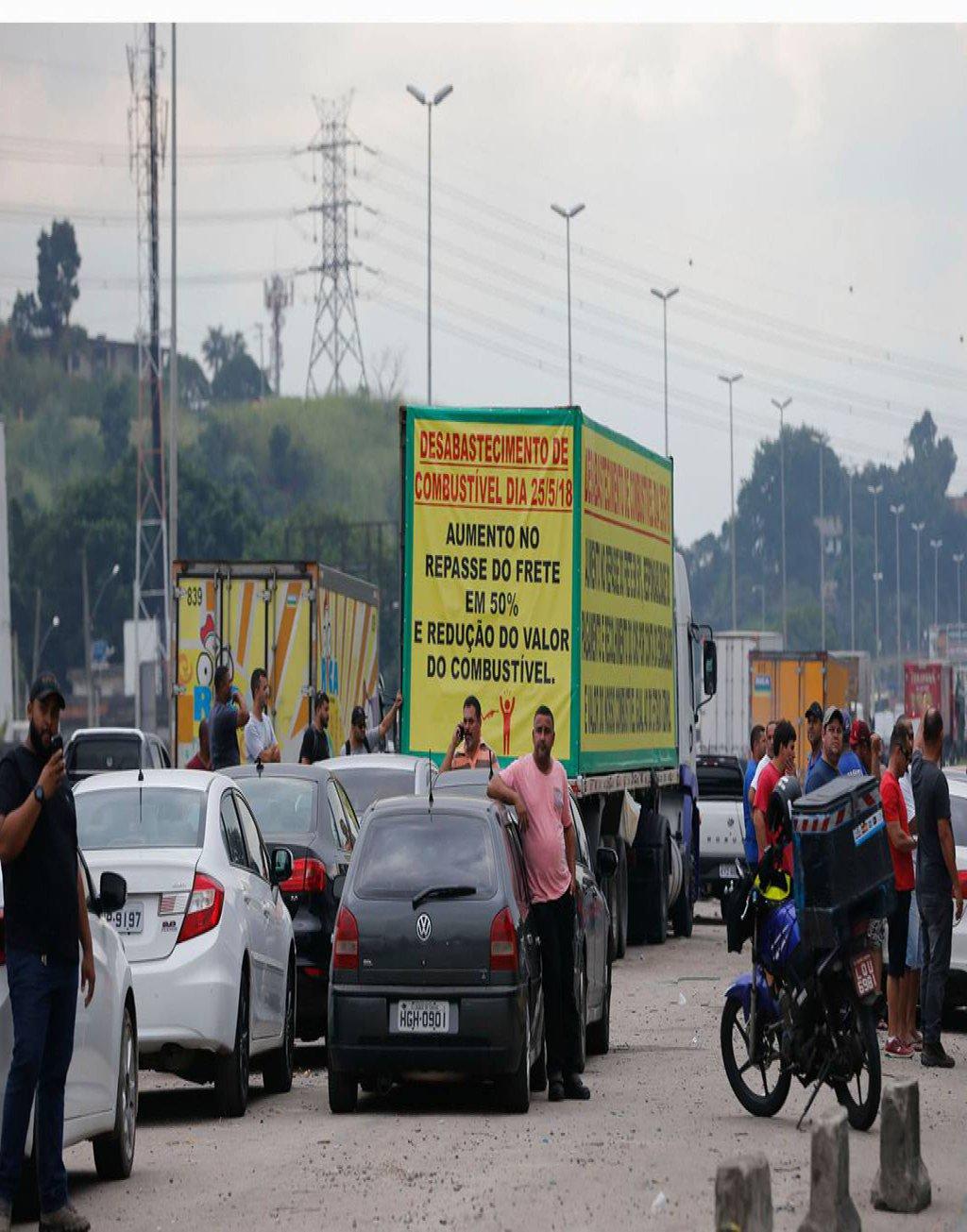 Balanço divulgado pela Associação Brasileiros dos Caminhoneiros apontou um aumento na quantidade de interdições em rodovias pelo movimento de paralisação dos caminhoneiros no dia seguinte ao acordo firmado pelo governo; de acordo com as estatísticas, existem 521 pontos interditados na manhã desta sexta-feira (25) em 25 estados