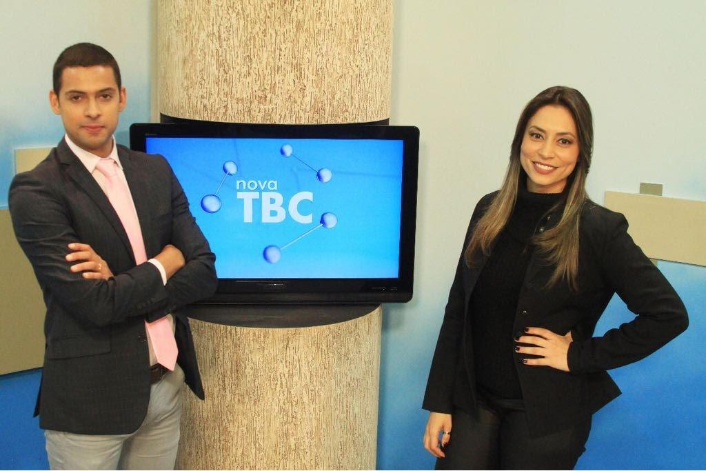 Tulio Isac Filho estreou nesta segunda-feira (21) na nova TV Brasil Central (TBC); ele vai apresentar, ao lado da jornalista Michelle Bousson, o JBC 1ª edição; a proposta com a formação da dupla na bancada é dar mais interatividade ao telejornal da nova TBC. O programa vai ao ar às 11h50; a novidade faz parte do projeto de revitalização promovido pela Agência Brasil Central (ABC), na direção do jornalista João Bosco Bittencourt