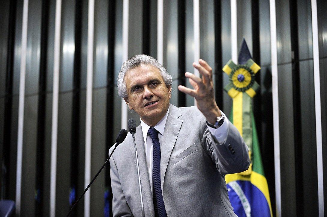 Plenário do Senado durante sessão deliberativa extraordinária.  Em discurso, senador Ronaldo Caiado (DEM-GO).  Foto: Marcos Oliveira/Agência Senado