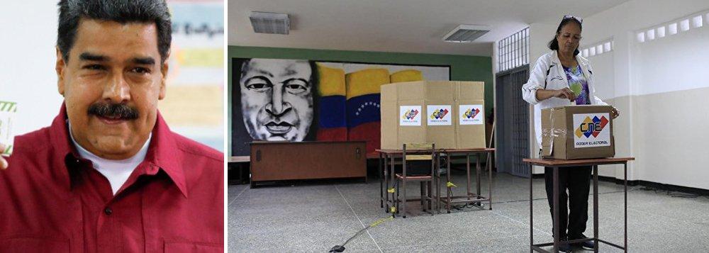 """""""Ainda que tenha obtido uma vitória respeitável no domingo, Nicolás Maduro só poderá desfazer o ambiente de guerra civil sem armas em que o país se encontra se for capaz de reconstruir a economia e recuperar o apoio de eleitores que não saíram de casa para votar no chavismo"""", escreve Paulo Moreira Leite, articulista do 247, que cobre os desdobramentos da campanha presidencial em Caracas"""