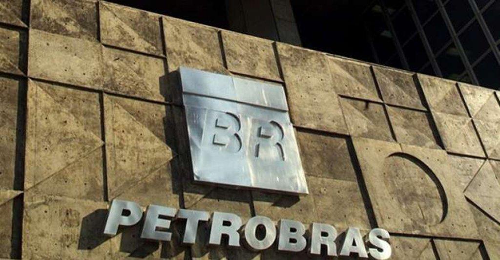 A greve dos caminhoneiros que parou o país e está se agravando graças à arrogância de Temer e seus aliados mais vicerais e fiéis, como o PSDB, é o efeito colateral de terem rifado a Petrobras deixarem a conta para o povo pagar
