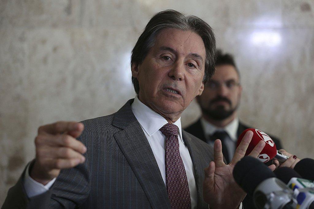 Brasília - Entrevista coletiva com o presidente do Senado, Eunício Oliveira, que fala sobre a medida provisória da reforma trabalhista (Valter Campanato/Agência Brasil)