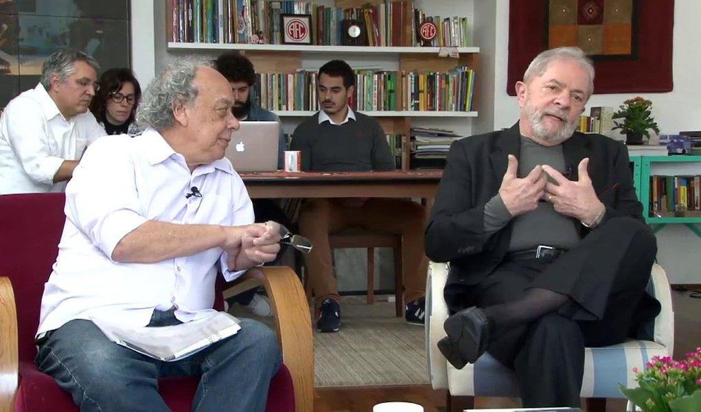 "Programa ""Papo com Zé Trajano"", que vai ao ar de segunda a sexta ao vivo de 18h15 às 19h na TVT e na Rádio Brasil Atual, terá ninguém menos que Luiz Inácio Lula da Silva como comentarista esportivo durante a Copa do Mundo"