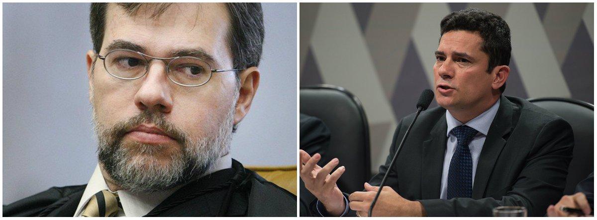 """O ministro Supremo Tribunal Federal, Dias Toffoli, afirmou quese os juízes quiserem ser protagonistas serão substituídos; """"E por quem? Se somos os árbitros, não podemos ser, jamais, protagonistas"""", disse empalestra no VI Congresso Brasileiro de Direito Eleitoral, em Curitiba"""